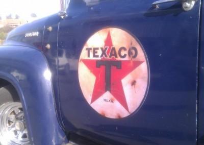 """Ford F100 med """"ekte"""" Texaco-logo"""